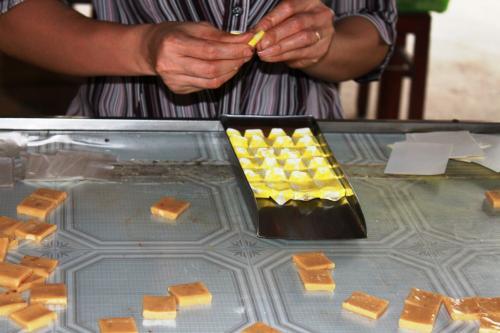 Thành phẩm gói kẹo dừa